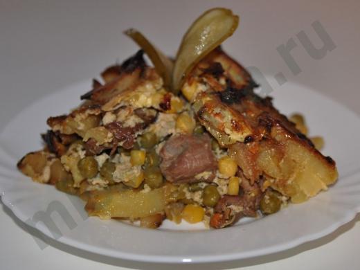 горячее из картофеля с мясом кукурузой и горошком